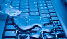 bàn phím laptop có rửa được không